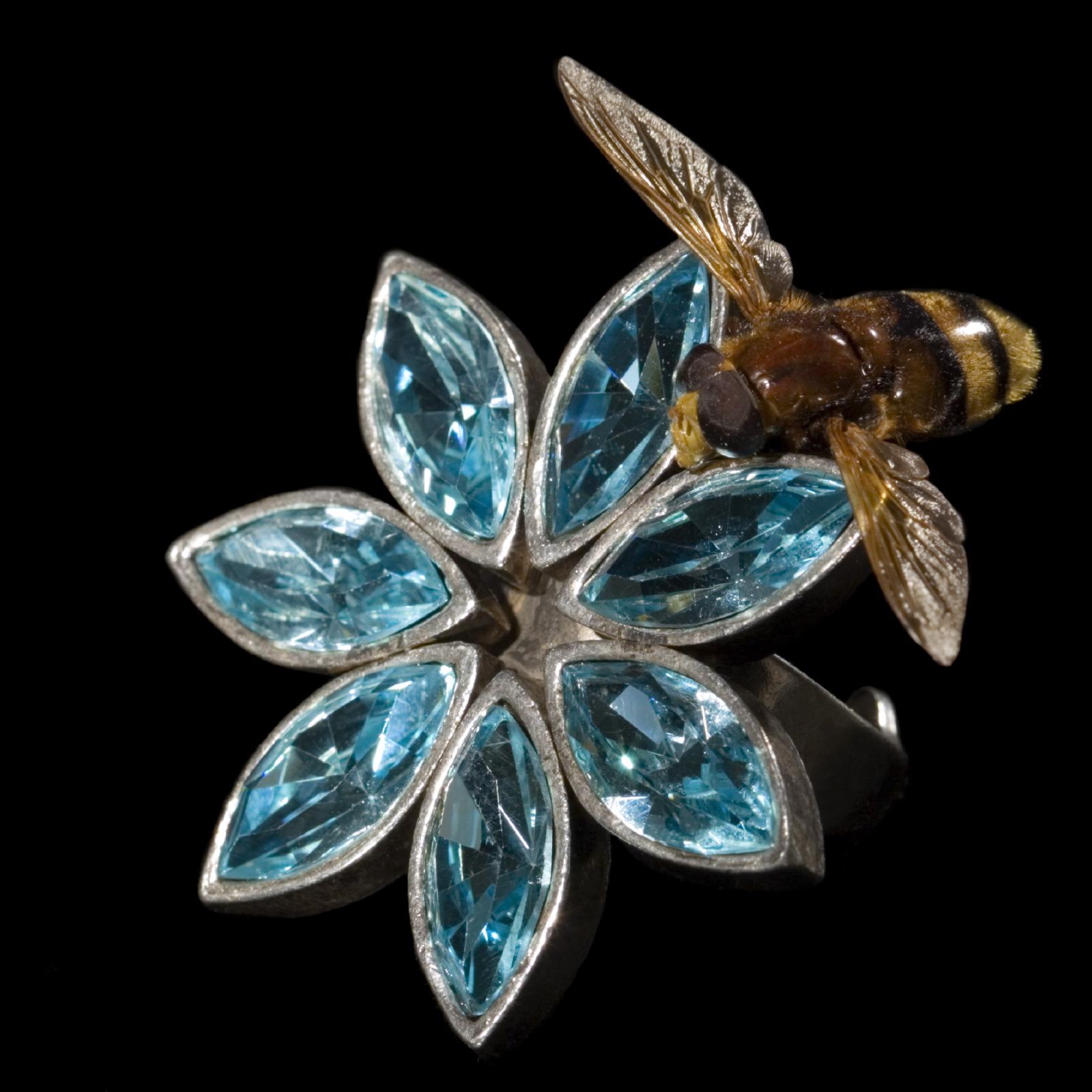 jewelry bee & blue stone ring GP